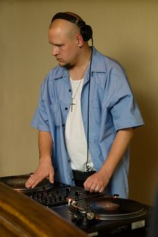 Free Hip-hop Deejay Playing Vinyl Record Stock Photos - 14067963