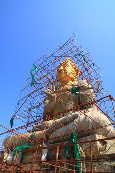Gold Buddha Under Construction Royalty Free Stock Photography