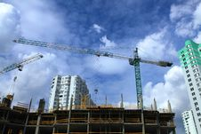 Free Building Crane On Sky Royalty Free Stock Photography - 14074407