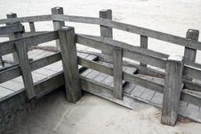 Free Wooden Walkway On The Beach Royalty Free Stock Images - 14075049