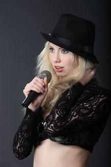 Free Singing Blond Girl Royalty Free Stock Image - 14075206