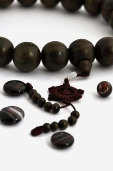 Free A String Of Wooden Beads And Agates Ball Royalty Free Stock Photos - 14076418