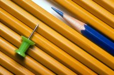 Free Pencils And Pushpin Royalty Free Stock Image - 14076926