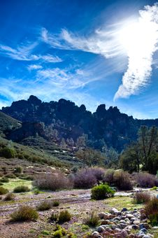 Free Pinnacles Hike Stock Images - 14078004