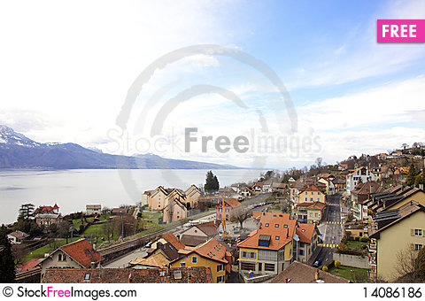 Free A Town Beside The Lake Royalty Free Stock Image - 14086186