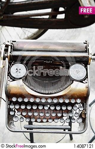 Free Old Antique Vintage Typewriter Stock Image - 14087121