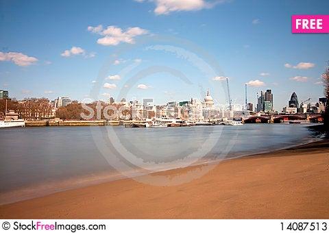 Free London City From The Embankment Beach Stock Photos - 14087513