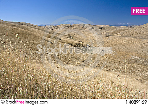Free Dry Hills Royalty Free Stock Images - 14089169