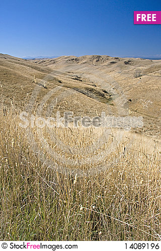 Free Dry Hills Royalty Free Stock Image - 14089196