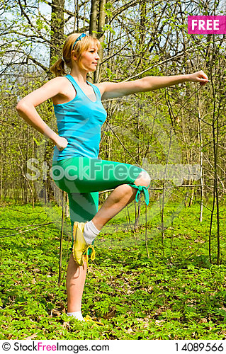 Free Exercises Outdoors Royalty Free Stock Image - 14089566