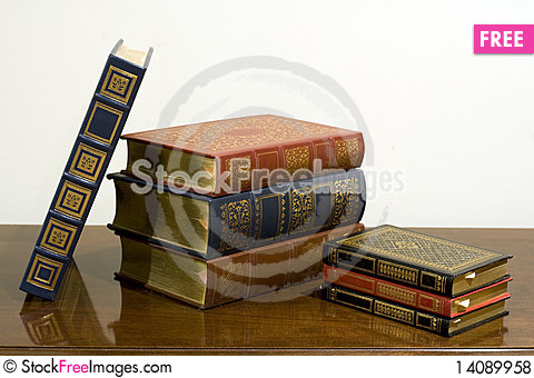 Free Classic Leather Bound Books Royalty Free Stock Photos - 14089958