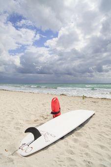 Free Lifeguard Surfboard Stock Photography - 14084672
