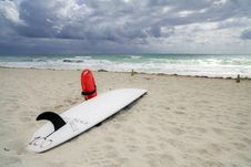 Free Lifeguard Surfboard Royalty Free Stock Photography - 14084757