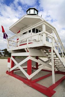 Free South Beach Lifeguard Hut Stock Photos - 14084953