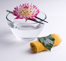 Free Flower Floating On The Chinese Sticks In Bowl Stock Photo - 14085520