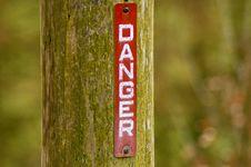 Free Danger Warning Sign Royalty Free Stock Images - 14085749