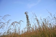Free Windmill Cellular Tower Royalty Free Stock Photography - 14087047