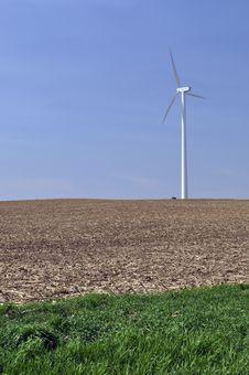 Free Wind Turbine Royalty Free Stock Photos - 14089168