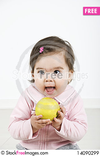 Free Cheerful Baby Ready To Bite An Apple Royalty Free Stock Images - 14090299