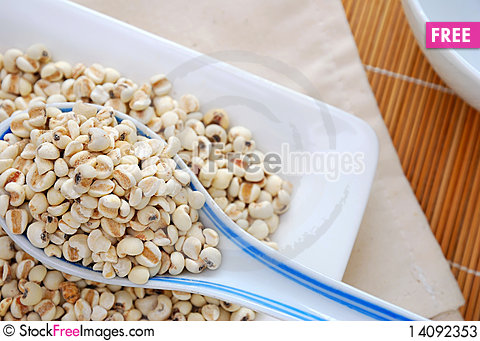 Free Spoonful Of Dried Barley Stock Photos - 14092353