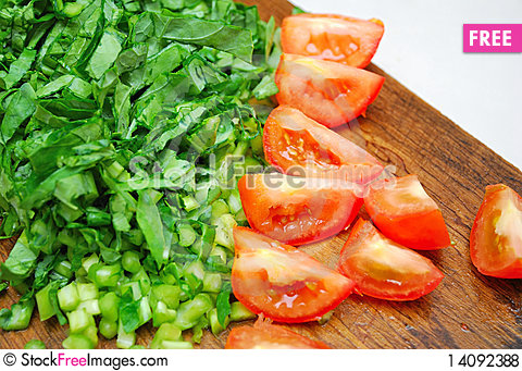 Free Freshly Cut Vegetables And Tomatoes Royalty Free Stock Photos - 14092388