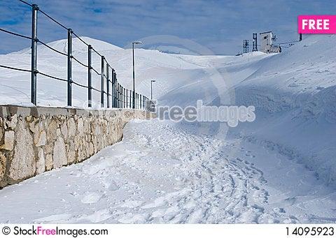 Free Winter Snow Path Stock Photos - 14095923