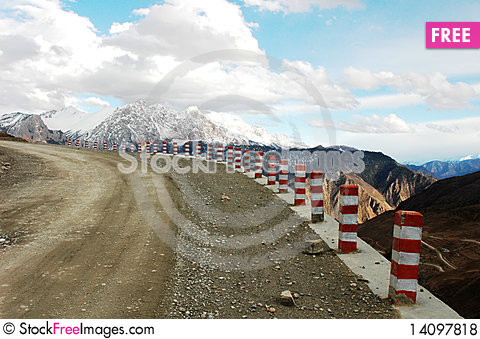 Free Road In Tibet Royalty Free Stock Photos - 14097818