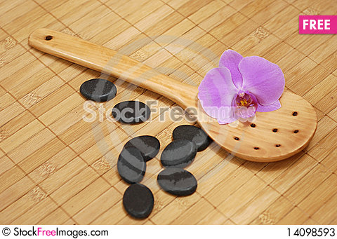 Free Spoon With Stones And The Orchid Stock Photos - 14098593
