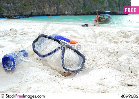 Free Snorkel At Maya Beach Royalty Free Stock Image - 14099086