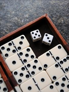 Free Dominoes Royalty Free Stock Photography - 14090807