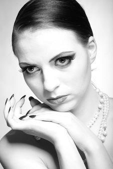 Free B/w Portrait Of Sexy Fashion Woman Royalty Free Stock Photo - 14098265