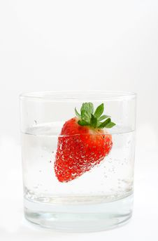 Free Strawberry Into Glass Stock Photography - 1410082