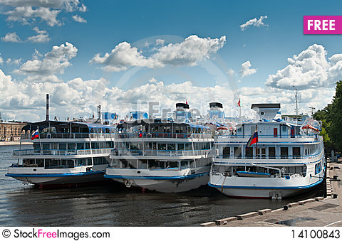 Free Several White Cruise Liners Stock Photos - 14100843