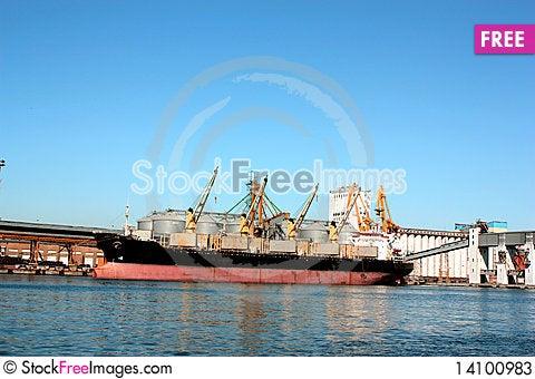 Free Loading Ship Stock Photos - 14100983