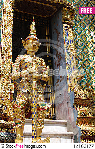Free Giant In Wat Phra Kaeo Royalty Free Stock Photography - 14103177