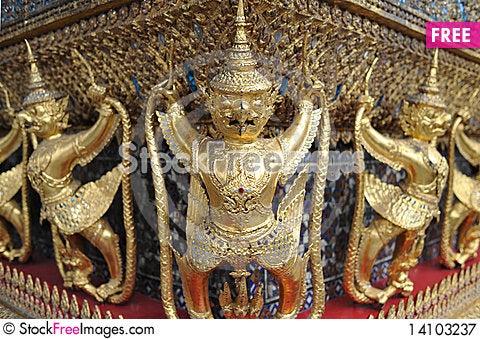 Free Statue Of Garuda Royalty Free Stock Photography - 14103237