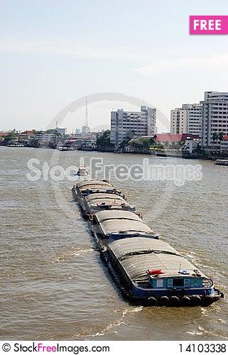 Free Tug Boat On The Chao Phraya River Royalty Free Stock Photos - 14103338