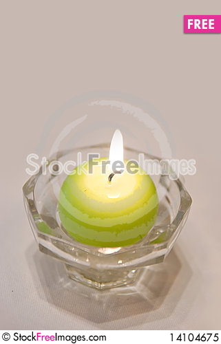 Free Green Candle Royalty Free Stock Photo - 14104675