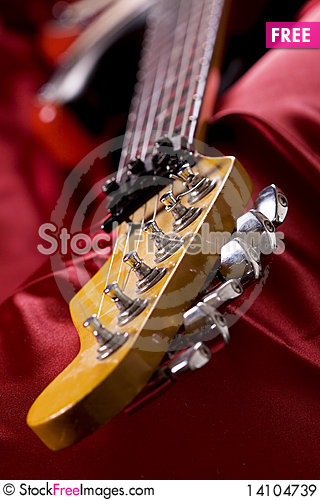 Free Guitar Head Close-up Royalty Free Stock Images - 14104739