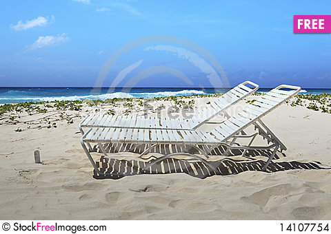 Free Barbados Lounge Chairs Stock Images - 14107754