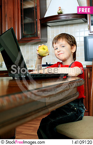 Free Little Boy With Laptop Stock Photo - 14109120