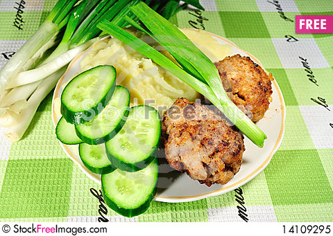 Free Fried Cutlets Royalty Free Stock Photo - 14109295