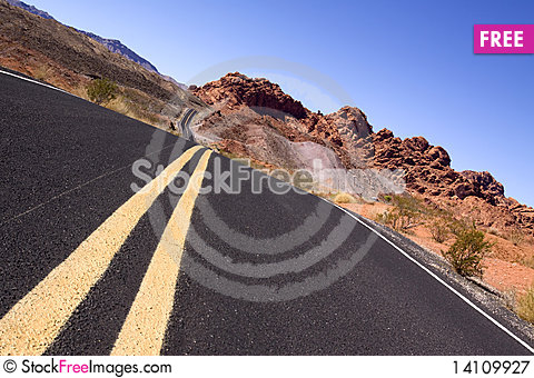 Free Desert Road Royalty Free Stock Photography - 14109927