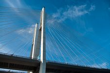 Free Cable-braced Bridge Across The River Royalty Free Stock Photos - 14100778