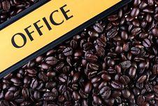 Free Coffee Grains Royalty Free Stock Photos - 14101928