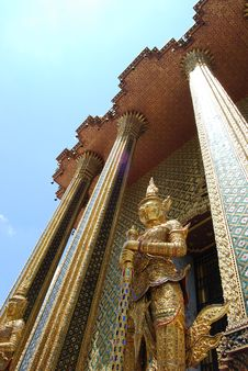 Giant In Wat Phra Kaeo Royalty Free Stock Photos