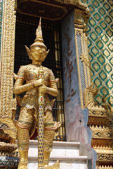 Giant In Wat Phra Kaeo