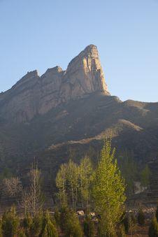 Free Mountain Peak Stock Images - 14107884
