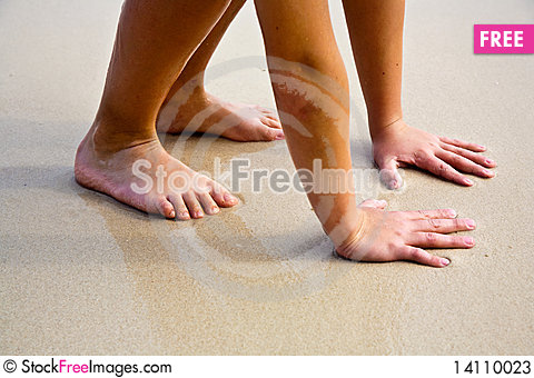 Free Feet On The Beautiful  Beach Stock Photos - 14110023