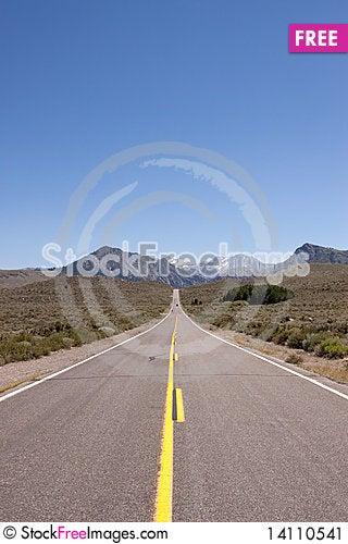 Free Desert Road Stock Image - 14110541